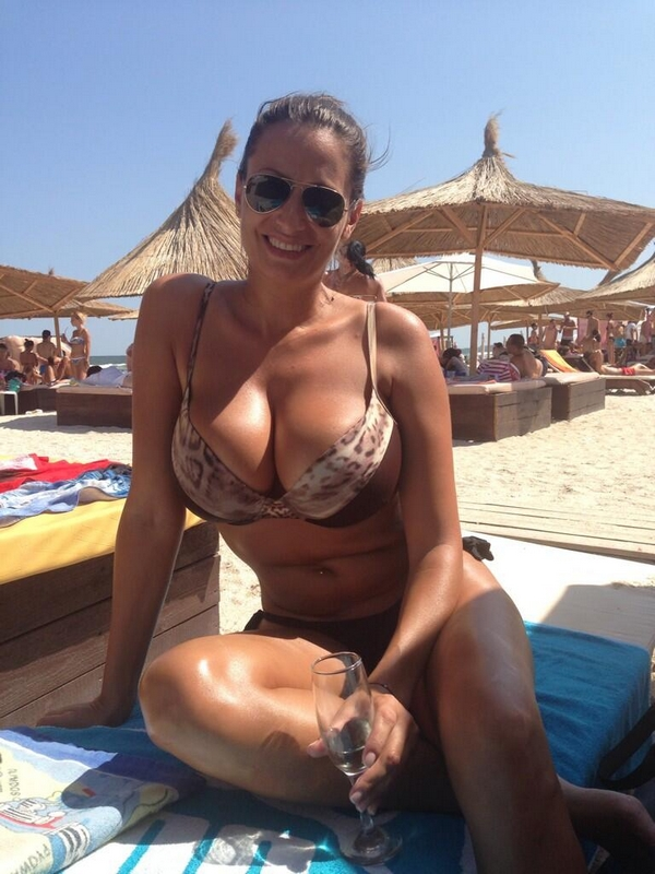 femme cougar gros seins