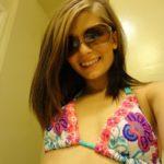 étudiante en bikini
