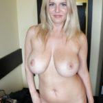 énormes seins de femme mature