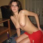 femme cougars seins nus