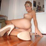 photos femme mature en talons aiguilles