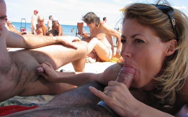 suceuse à la plage pipe en bord de mer