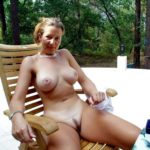 femme naturiste gros seins chatte poilue photos