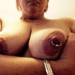 gros seins de vieille truie mamelles