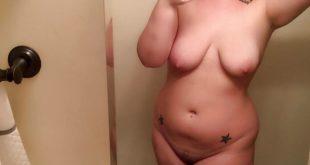 selfie femme ronde nue