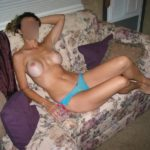 femme en string gros seins