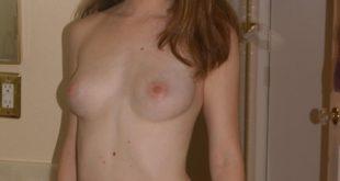 jeune rouquine nue