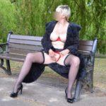 femme mature exhibe
