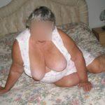 seins femme mûre ronde